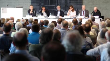 Podium: Enormer Nachholbedarf in der deutschen Erinnerung