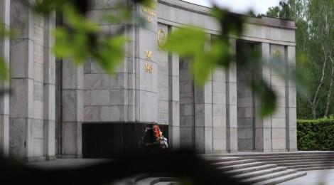 Das sowjetische Ehrenmal im Berliner Tiergarten